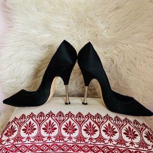 Black Satin Oscar the la Renta stilettos size10.